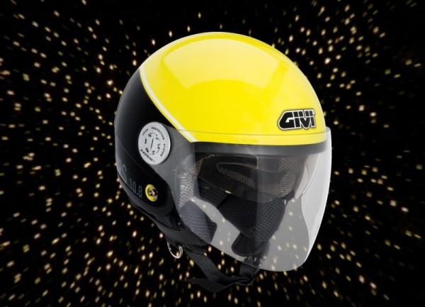 """GIVI presenta el casco """"luciérnaga"""": seguridad activa y a la moda"""""""