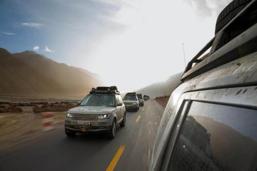 Range Rover hibridos en el Tibet 02