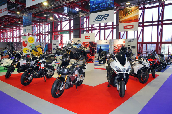 Moto Madrid III Salón Comercial de la Motocicleta. En ascenso
