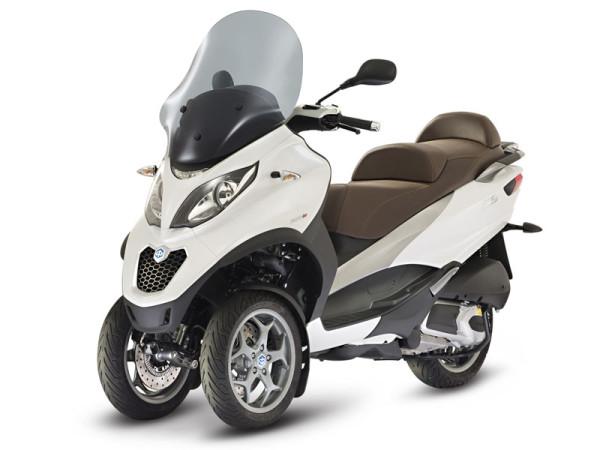 Nuevo Piaggio MP3 300 LT ABS ASR. Más seguro y equipado