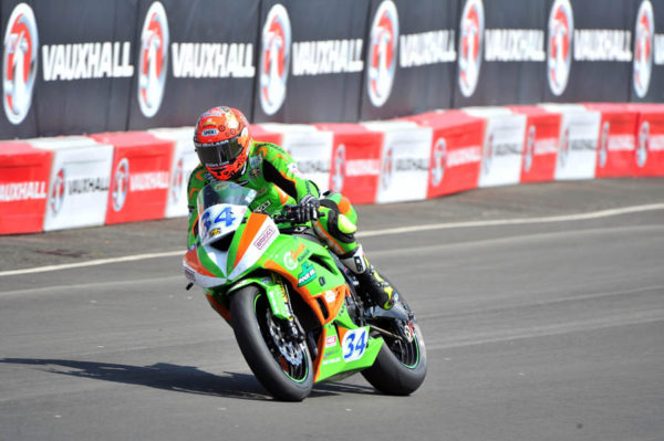 NORTH WEST 200. Esencia de carreras