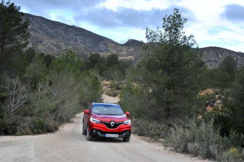 http://www.siempreruedasymotor.com/2016/11/ruta-trail-requena-y-el-pirineo-valenciano-requena-merece-la-pena/