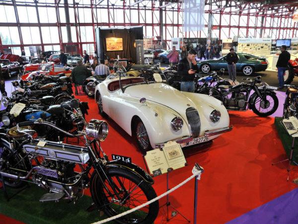 VIII Salón Internacional del Vehículo Clásico (Motos). Motos y pilotos dieron color al Classic Auto 2017