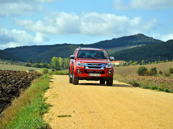 España Off Road en Isuzu D-Max. Por la provincia de Álava. Los Montes de Vitoria